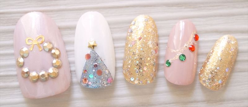 キラキラ☆クリスマスリースネイル